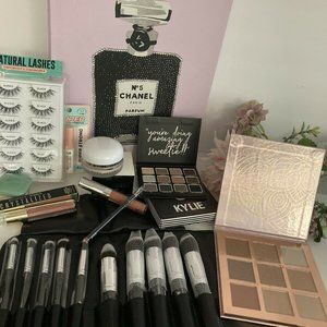Kylie Jenner Marc Jacobs Clinique Smash box bundle